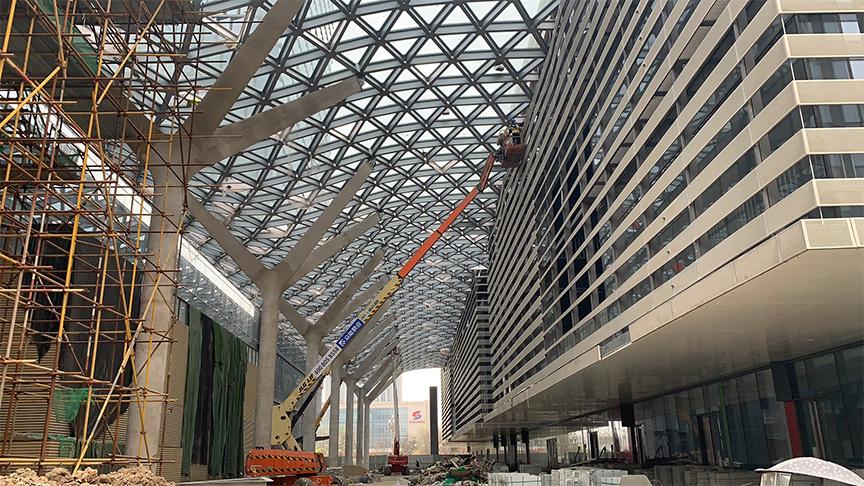西咸会议厅四季雨庭玻璃幕顶融雪工程
